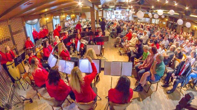 17. September 2017 Bewohner nahmen am Konzert des Halderner Blasorchesters teil
