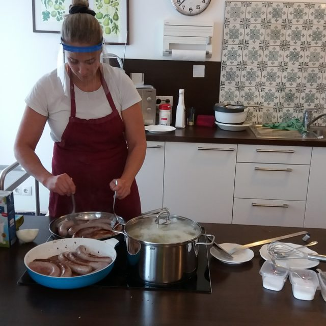 Kochen in WG 3 mit Köchin Dalia (7. Oktober 2020)