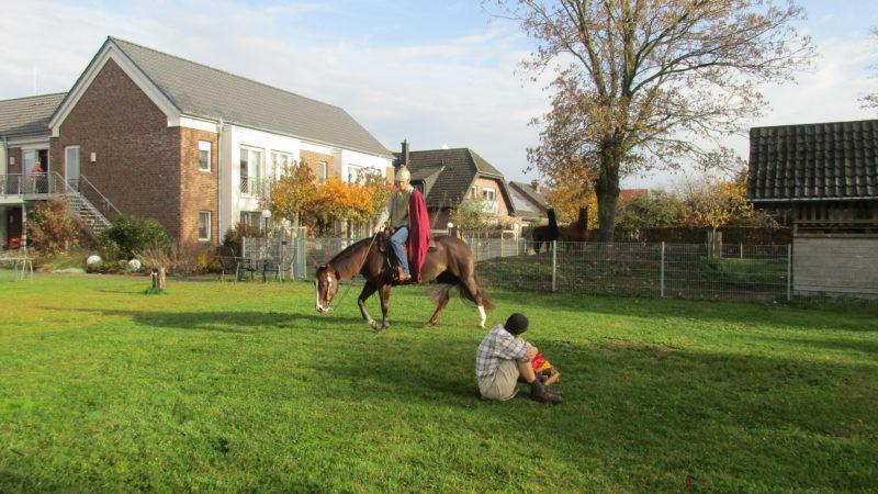 Martinsspiel mit Kindergarten (9. November)