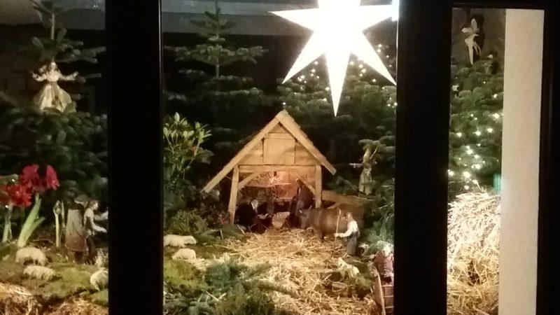 Krippe in der Wesendonkstube – Corona zum Trotz: Frohe Weihnachten!